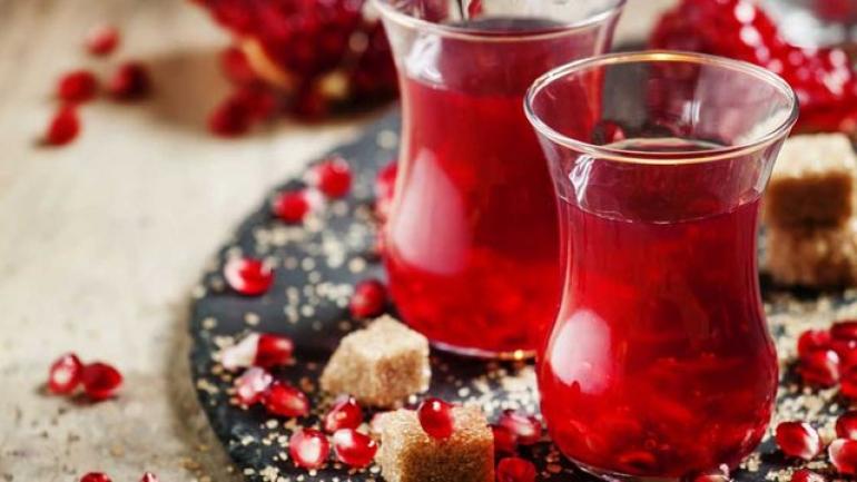 طريقة عمل الشاي التركي بالرمان