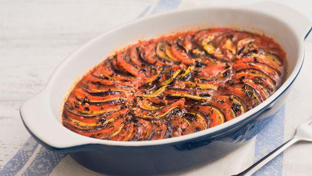 طريقة عمل صينية الخضار بصلصة الطماطم