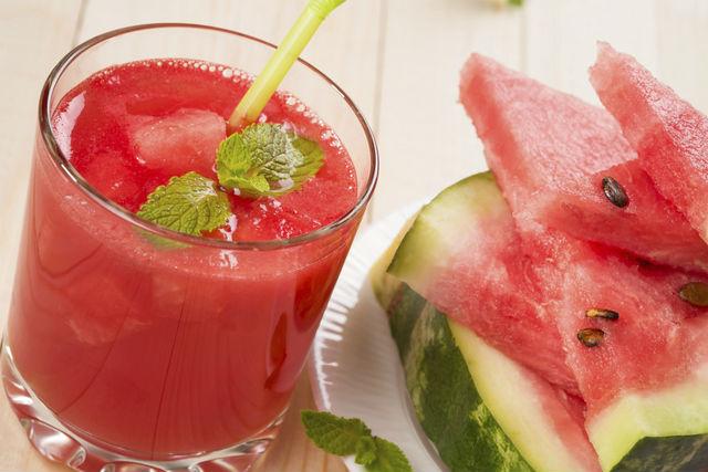 طريقة عمل عصير البطيخ بالزنجبيل