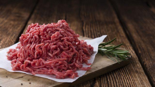 كيفية معرفة اللحم المفروم الفاسد