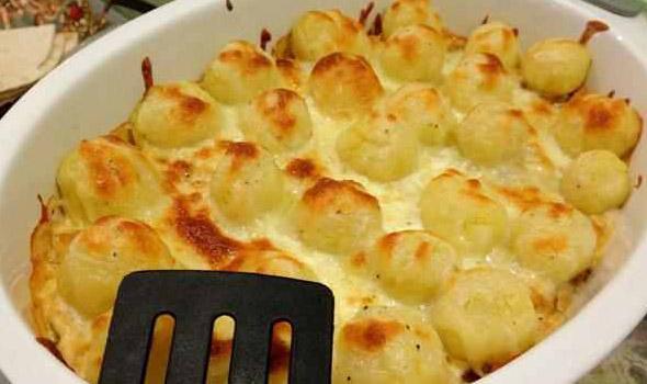 طريقة عمل صينية البطاطس باللحم المفروم والجبن