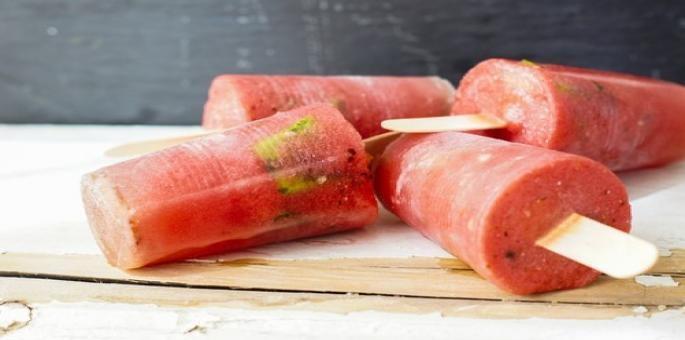 طريقة عمل مثلجات البطيخ وعصير الليمون