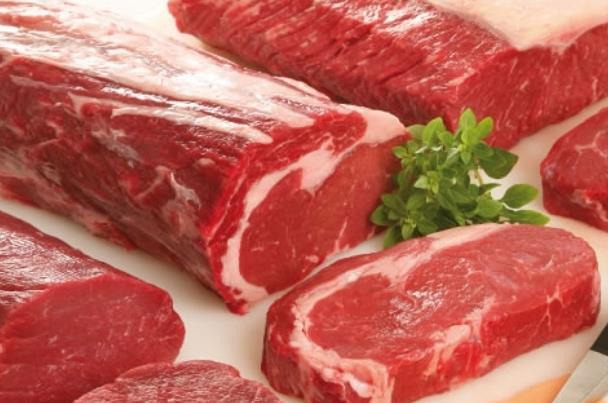 هل يجب غسل اللحم قبل تجميده