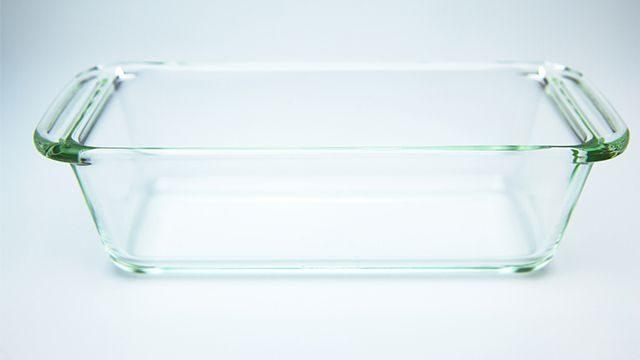 طريقة تنظيف صواني الفرن الزجاجية