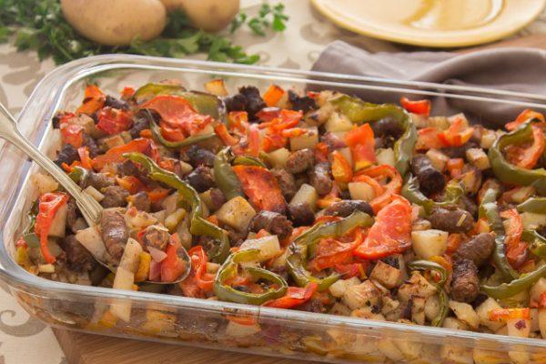 طريقة عمل طاجن السجق بالبطاطس والخضروات