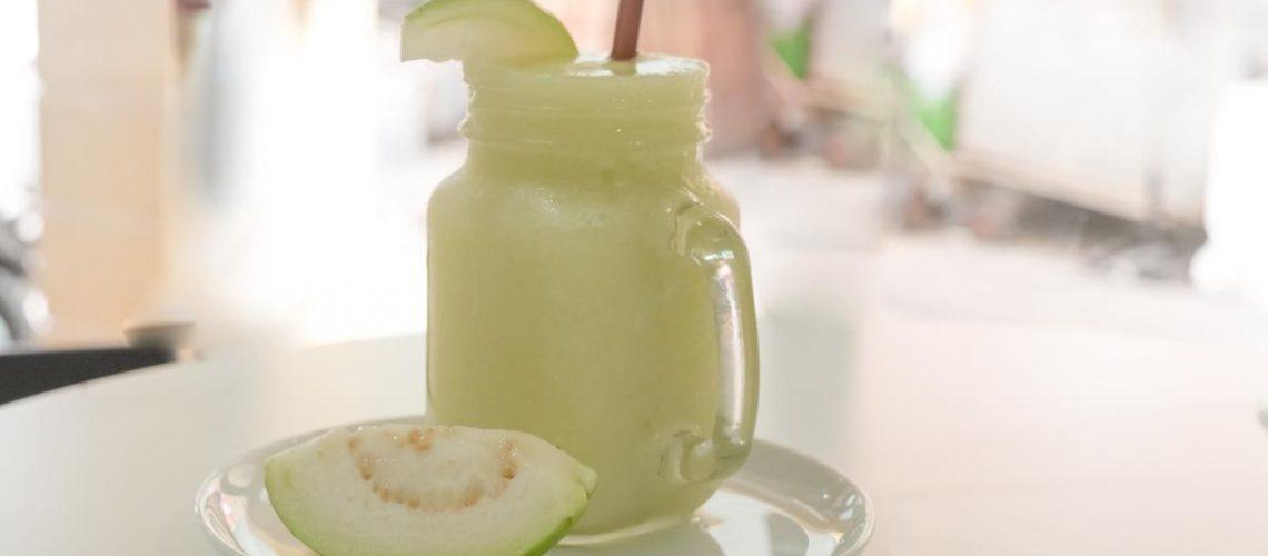 طريقة عمل عصير الجوافة بالحليب