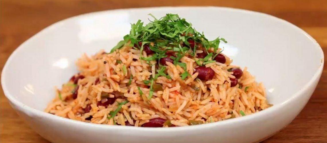 طريقة عمل أرز بالفاصوليا الحمراء والكزبرة