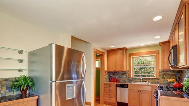 طريقة تنظيف سقف المطبخ من الدهون