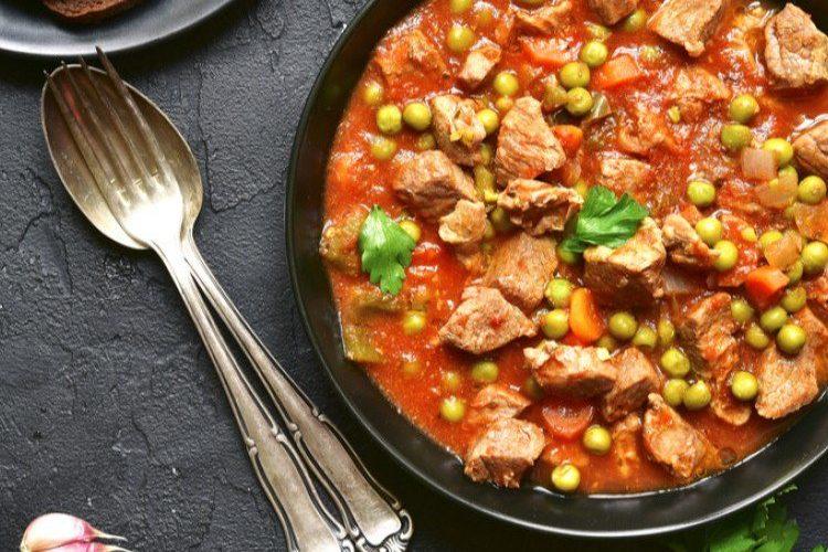 طريقة عمل إيدام البازيلا باللحم والطماطم