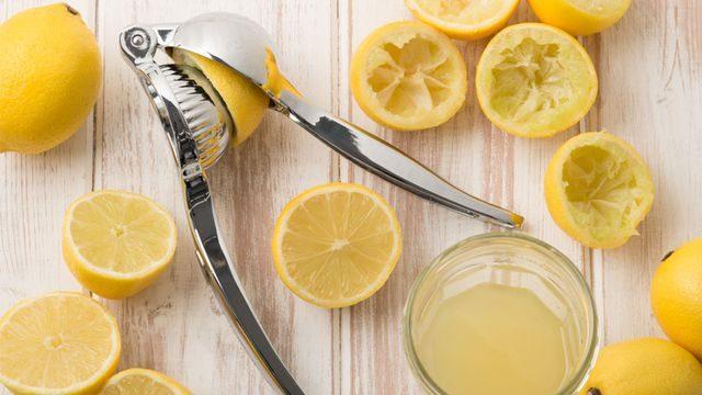 عصر الليمون بالطريقة الصحيحة