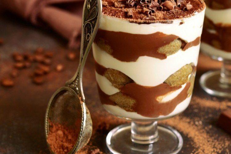طريقة عمل حلى الكاسات الباردة بالشوكولاتة