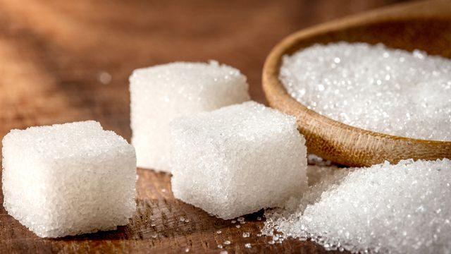 طريقة عمل مكعبات السكر في المنزل