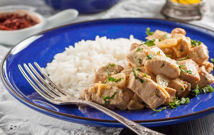 طريقة عمل أرز بالليمون مع الدجاج
