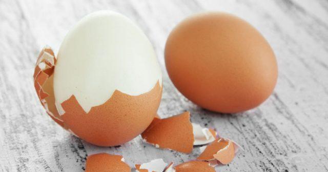 طريقة منع البيض المسلوق من التشقق