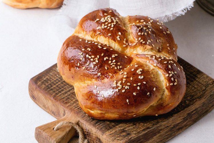 طريقة عمل خبز السمسم الهش