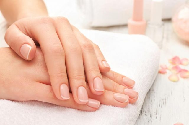 علاج تشقق الأظافر