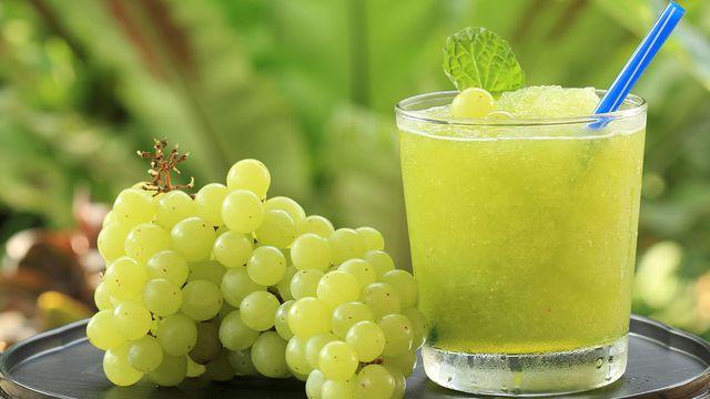 طريقة عمل عصير عنب اخضر