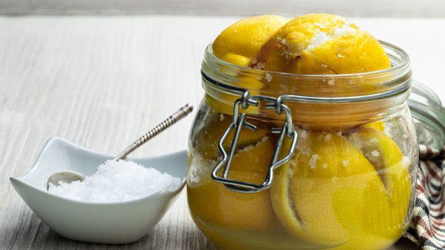 طريقة عمل مخلل الليمون الحساوي