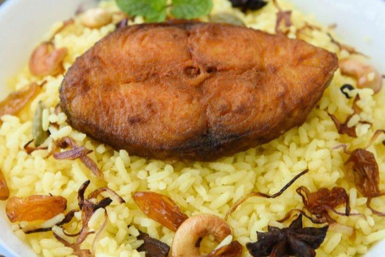 طريقة عمل سمك بوري مشوي مع أرز صيادية