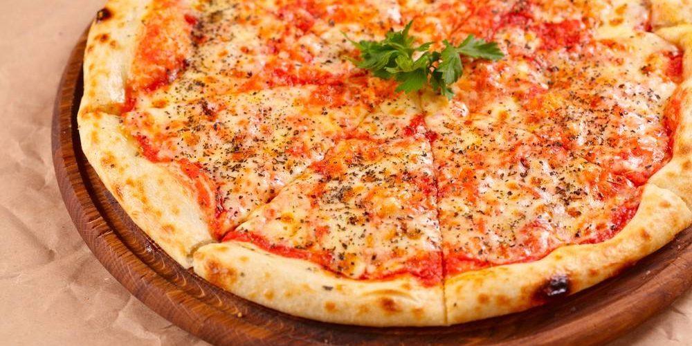 طريقة عمل بيتزا مارجاريتا مثل المطاعم