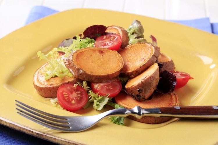 طريقة عمل سلطة البطاطا الحلوة