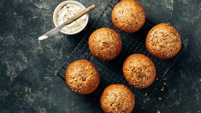 طريقة عمل خبز برجر اسمر