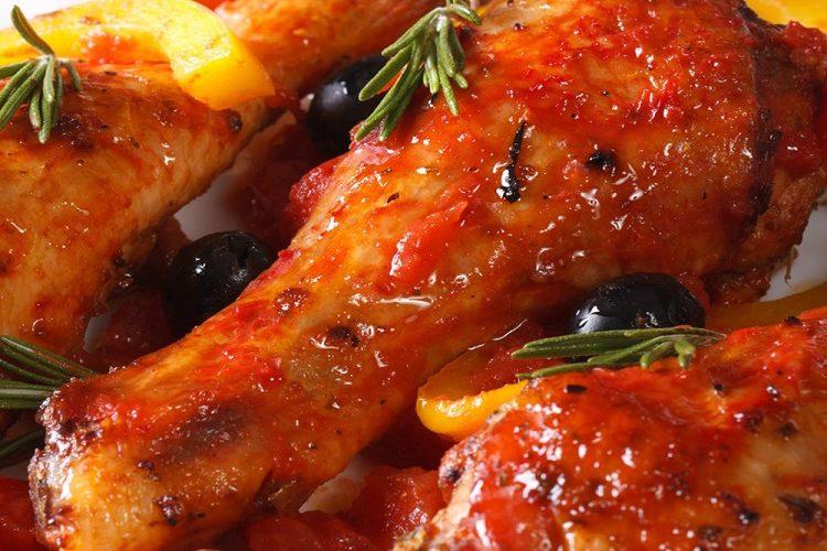 طريقة عمل دجاج مشوي بالبابريكا والزيتون