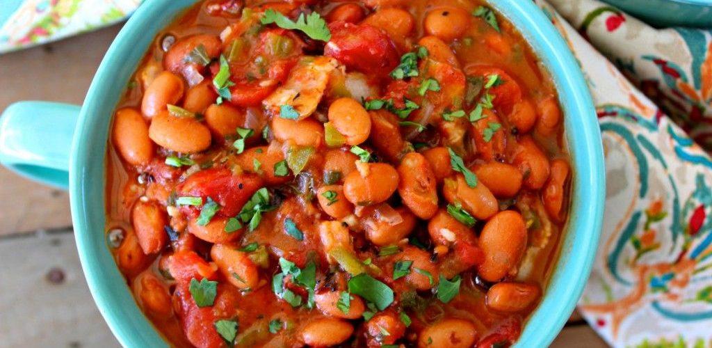 طريقة عمل فول مدمس بالطماطم والبصل