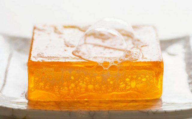 فوائد صابون الجلسرين للبشرة الدهنية