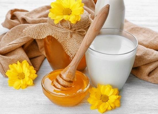 طريقة عمل ماسك العسل واللبن للشعر