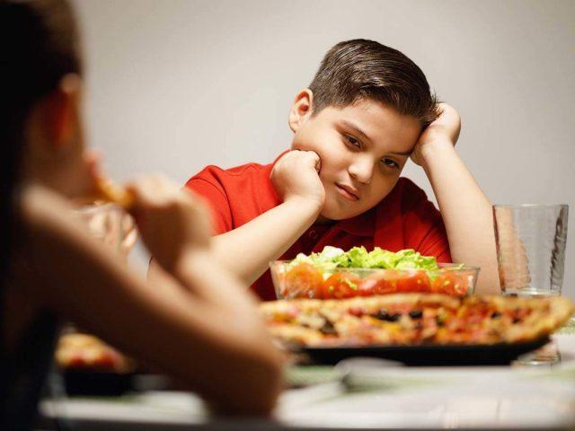 كيف أعرف أن طفلي مصاباً بالسمنة ؟